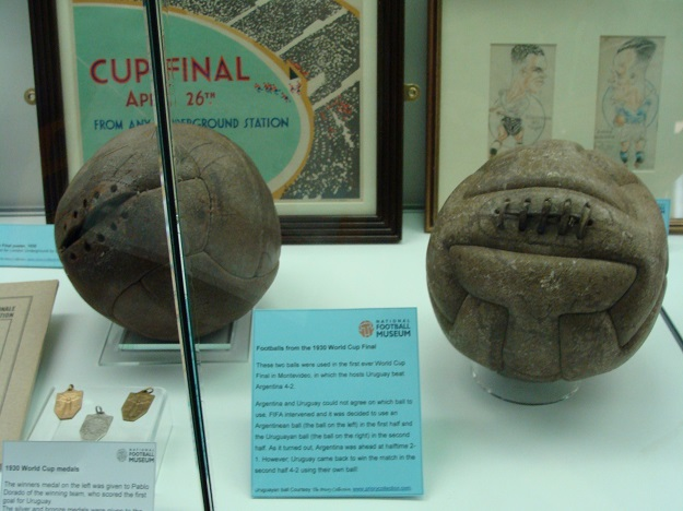 balls_from_the_1930_world_cup_final_0.jpg