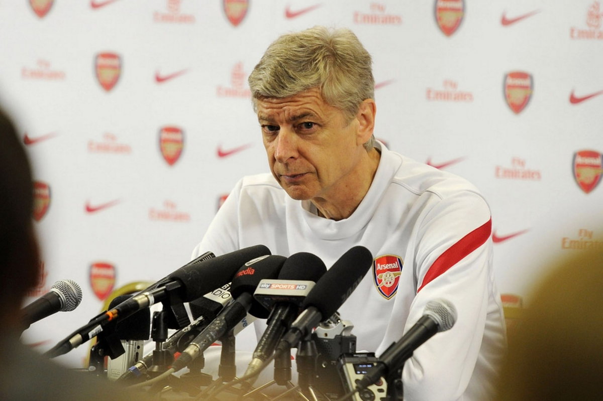 arsenal-manager-arsene-wenger-attends-a-pre-match-press-conference-1722379.jpg