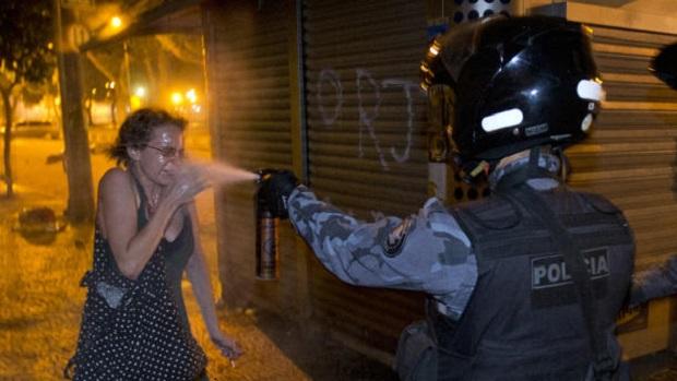 brazil-pepper-spray_610x344.jpg
