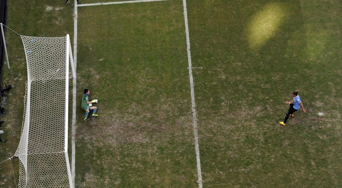 buffon_penalti.jpg