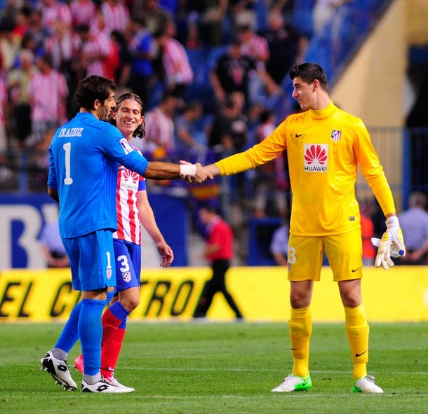 goalkeeper_thibaut_courtois_r_of_club_atletico_de_madrid_says_goodbye_to_goalkeeper_gorka_iraizoz.jpg