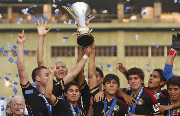 guatemala-soccer-u20-mexico-2011-4-10-20-10-43.jpg