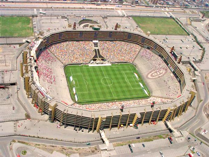 lima0002estadiomonument.jpg
