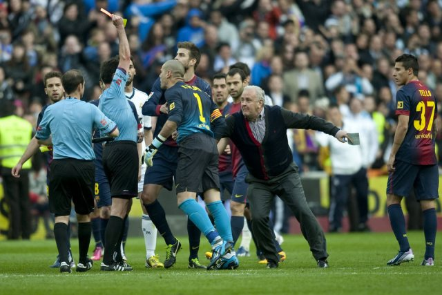 real-madrid-2-1-barcelona-valdc3a9s-red-card-perez-lasa-carles-nadal.jpg