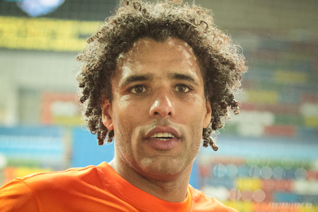 "Pierre van Hooijdonk: ""Dutch clubs cannot compete with Chelsea, Barcelona or Real Madrid in financial aspects"""