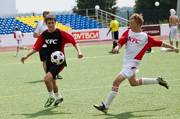 Стартовал третий чемпионат KFC по мини-футболу среди любительских команд