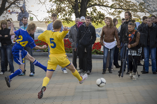 Борисовский БАТЭ и FootballTop.ru организовали флешмоб в самом центре Минска