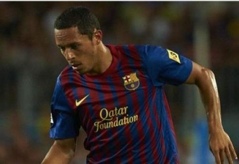 Защитник «Барселоны» Адриано выбыл из игры на две недели