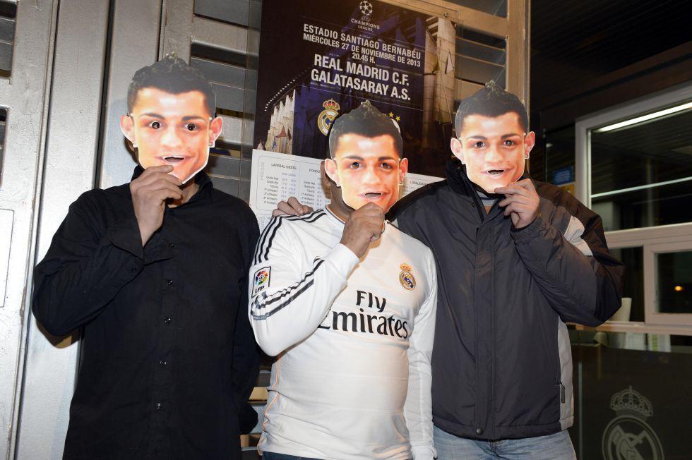 «Реал» — «Галатасарай». 45 тысяч зрителей наденут маски Роналду в поддержку футболиста (ФОТО)