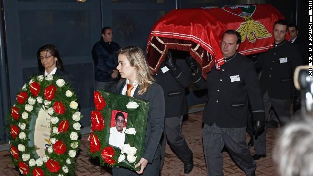 Как португальцы прощались с Эйсебио