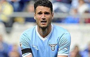 Эрнанес развеял слухи, связывающие его с «Миланом» или «Барсой»