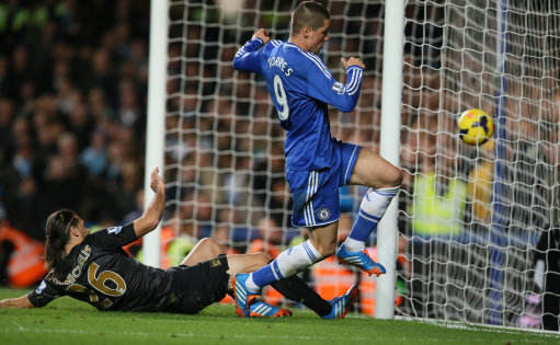 Chelsea down Manchester City at Stamford Bridge, Arsenal stay on top