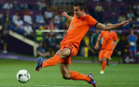 Робин ван Перси: «В сборной готов играть на любой позиции»