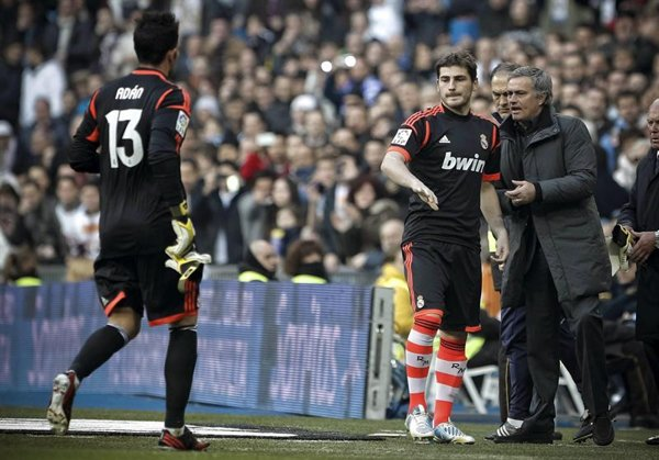 """Iker Casillas:""""Mourinho doesn't speak to me about the situation"""""""