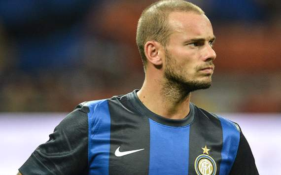 PSG and Galatasaray are competing for Sneijder