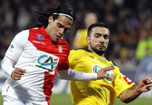 Болельщики сборной Колумбии требуют пожизненно дисквалифицировать игрока-любителя, травмировавшего Фалькао