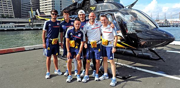 Перед матчем с «Нью-Йорк Ред Буллз» игроки «Лиона» прокатились на вертолете (ФОТО)