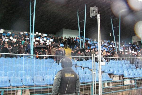 Около 2 тысяч питерских фанатов прибудут в Калининград