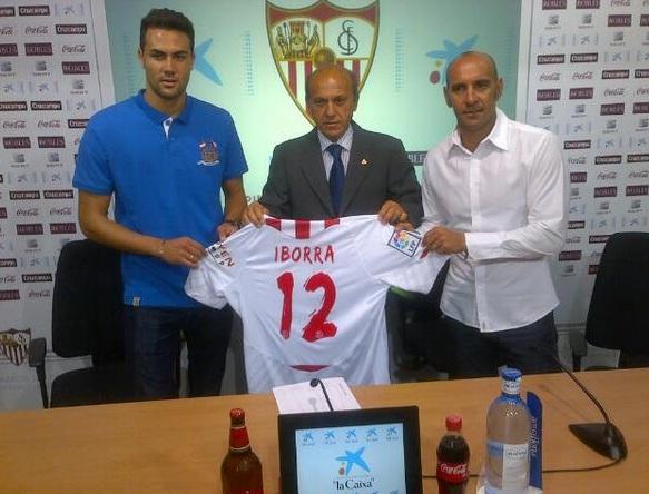 Висенте Иборра официально представлен в качестве игрока «Севильи»