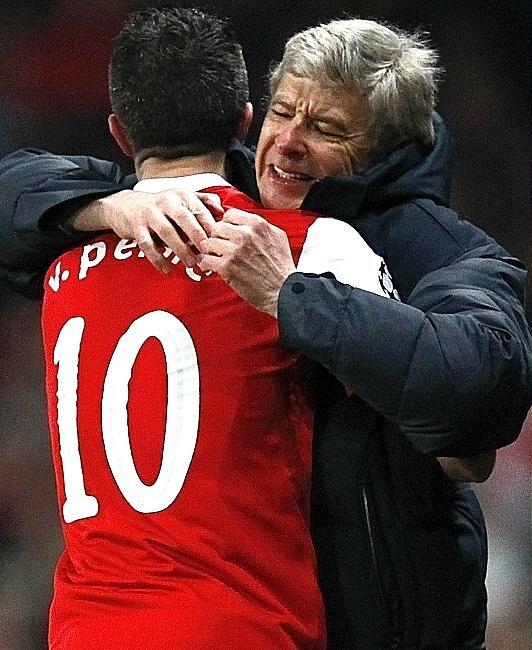 Арсен Венгер надеется удержать ван Перси в «Арсенале»