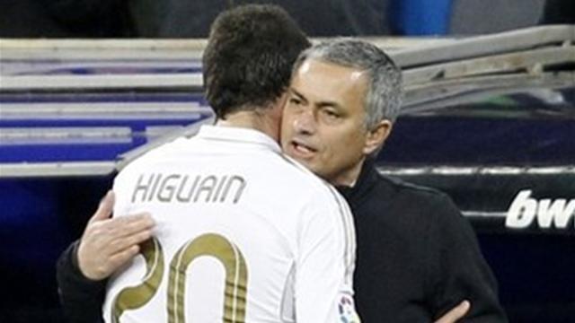 Беппе Маротта: переговоры по Игуаину приостановлены, пока в «Реале» не появится новый тренер