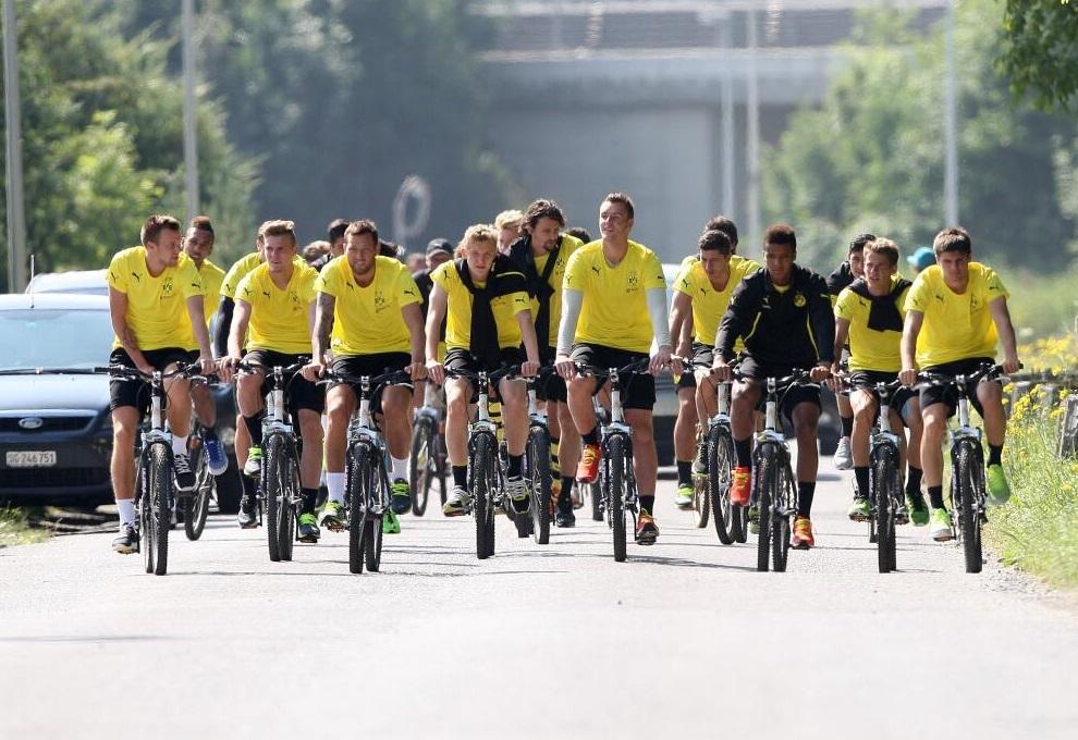 Игроки дортмундской «Боруссии» совершили велопрогулку (ФОТО)