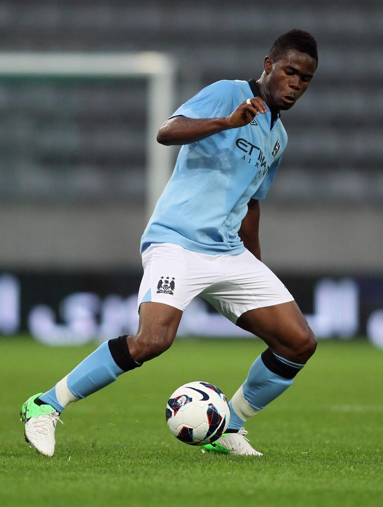«Анжи» взял в аренду полузащитника «Манчестер Сити» Абдула Разака