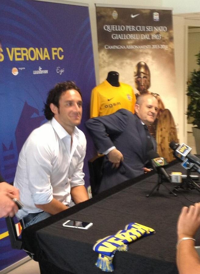 Лука Тони: решился на переход в «Верону» только после того, как посоветовался с семьей