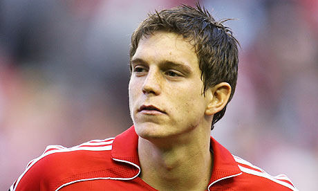 Agger does not want to leave Liverpool