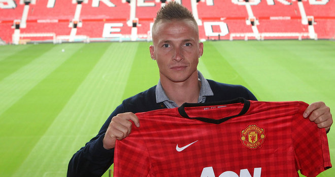 United makes an unexpected signing