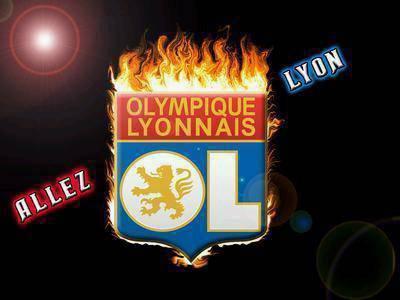 «Лион» громит «Труа» и выходит на первое место Лиги 1
