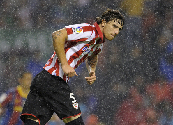 Arsenal target Athletic Amorebieta
