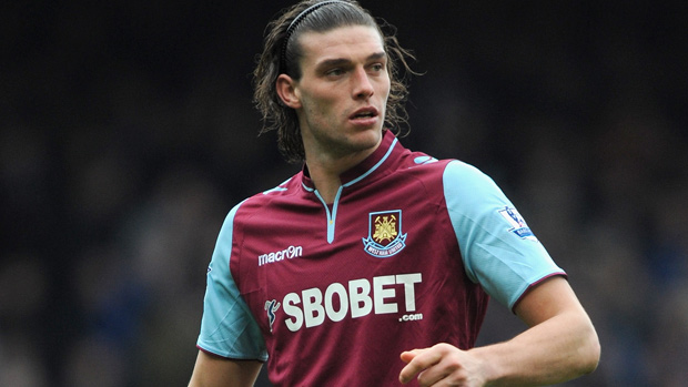 West Ham set to sign Carroll on a permanent basis