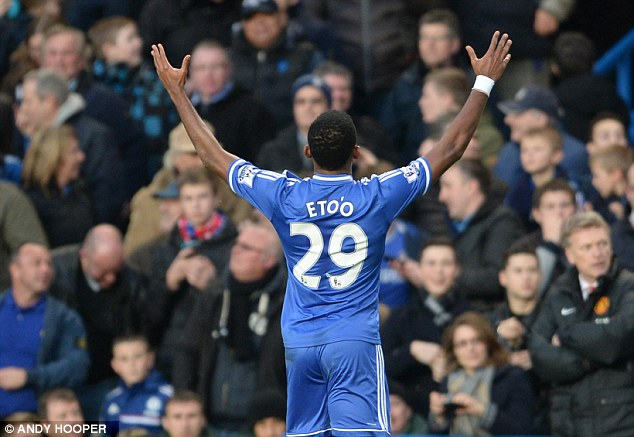 Samuel Eto'o scores a hat-trick to help Chelsea beat Manchester United at Stamford Bridge
