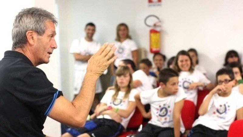 Профессор Франческо Комби: «Футболисты избалованы, поэтому мы чистим и режем для них фрукты»
