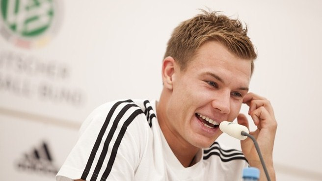 Bayern's Badstuber ruled out for 10 months