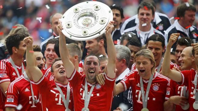 Немецкая Бундеслига. 33-й тур. «Бавария» — «Аугсбург» — 3:0 . «Трофей в руках»