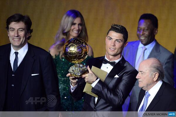 Роналду опередил Месси на 3,27 % в борьбе за «Золотой мяч»