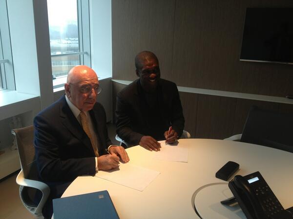 Кларенс Зеедорф официально возглавил «Милан»
