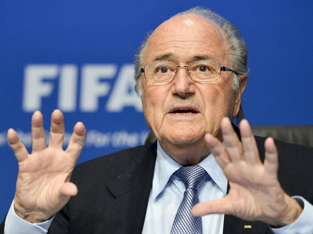Блаттера призывают помочь вызволить насильно удерживаемого в Катаре французского игрока