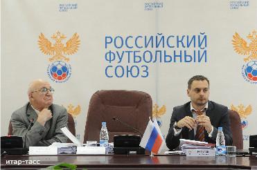 УЕФА смягчила наказание Сборной России за поведение болельщиков в Польше