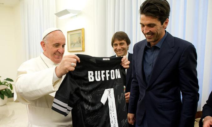 Делегация «Ювентуса» посетила Папу Римского (ФОТО)