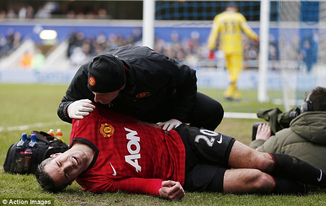 Man Utd team news: Van Persie's injury is not serious
