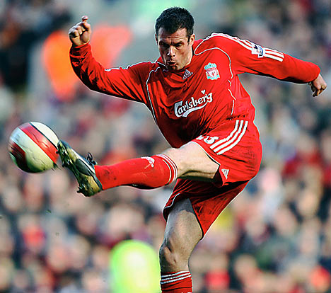 Liverpool Carragher set to retire from football