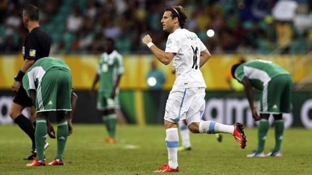 Confederations Cup results: Forlan's stunner helps Uruguay to beat Nigeria (video highlights)