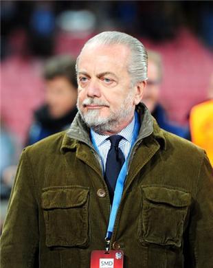 Аурелио Де Лаурентис может продать Кавани за 80 миллионов фунтов