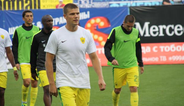 Возвращение Денисова в «Анжи» и еще семь безумных трансферов чемпионата России