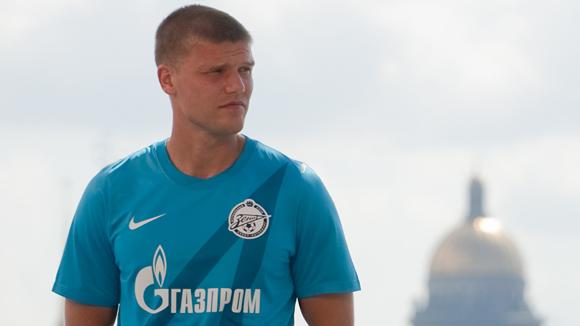 «Зенит» отказался продавать Денисова в «Анжи» за 12 миллионов евро
