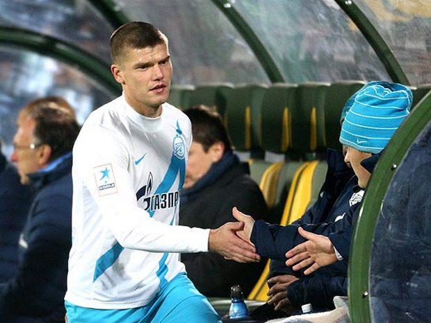 Топ-10 игроков сборной России, менявших клуб в Премьер-лиге