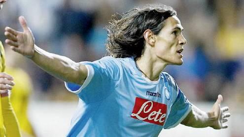 Napoli forward Cavani ruled out transfer rumours